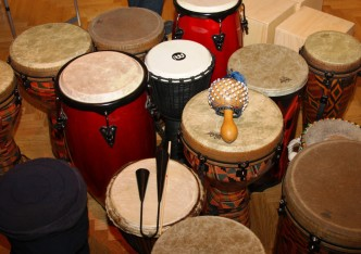 percussion_drums_djembe_bell_rattle_calabash_bongos_cajon-615706