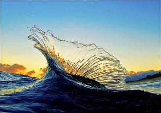 wave with sunlight
