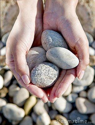 rocks-hands-10068161